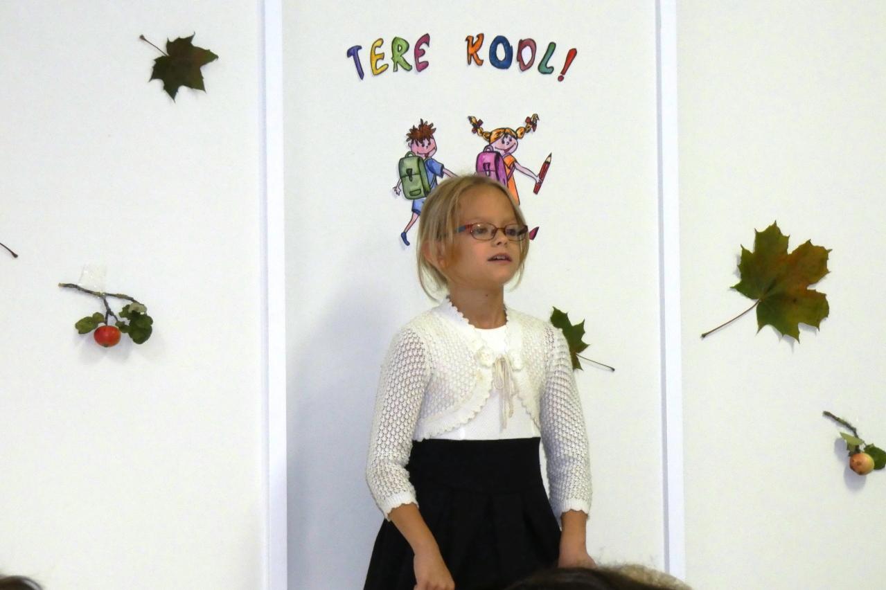 Luuletervituse kooliaasta alguseks esitas 4. klassi õpilane Rebeka