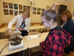 Loodussõprade klubi liikmed värvisid seentega lõnga, 24.09