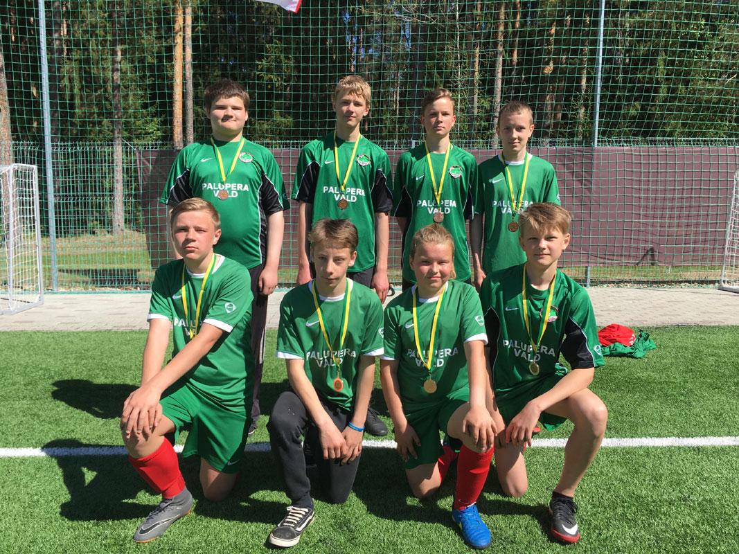 6.-7. klasside jalgpalliturniiril Elvas sai meie kooli võistkond 3. koha