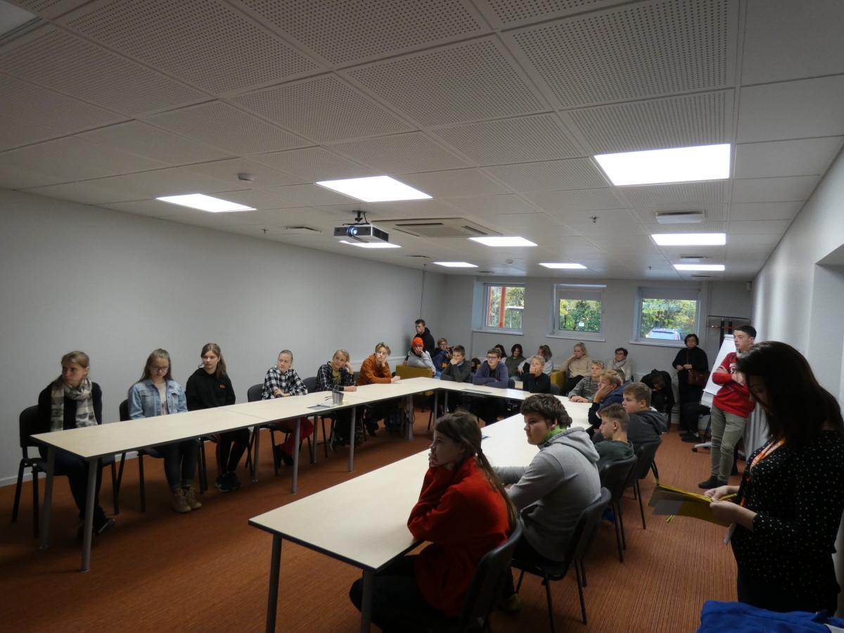 Ettevõtlusnädala raames külastas 7-9. klass külastas ettevõtet Enics Elvas
